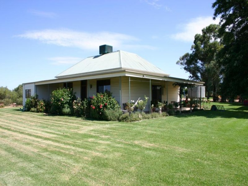 2421 Murray Valley Highway, Vinifera, Vic 3591