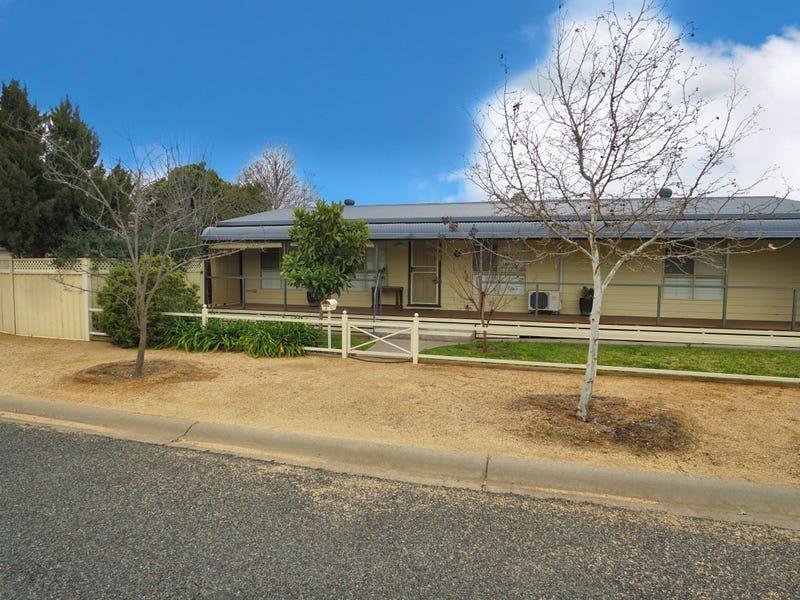 2 Tickner Street, Forbes, NSW 2871