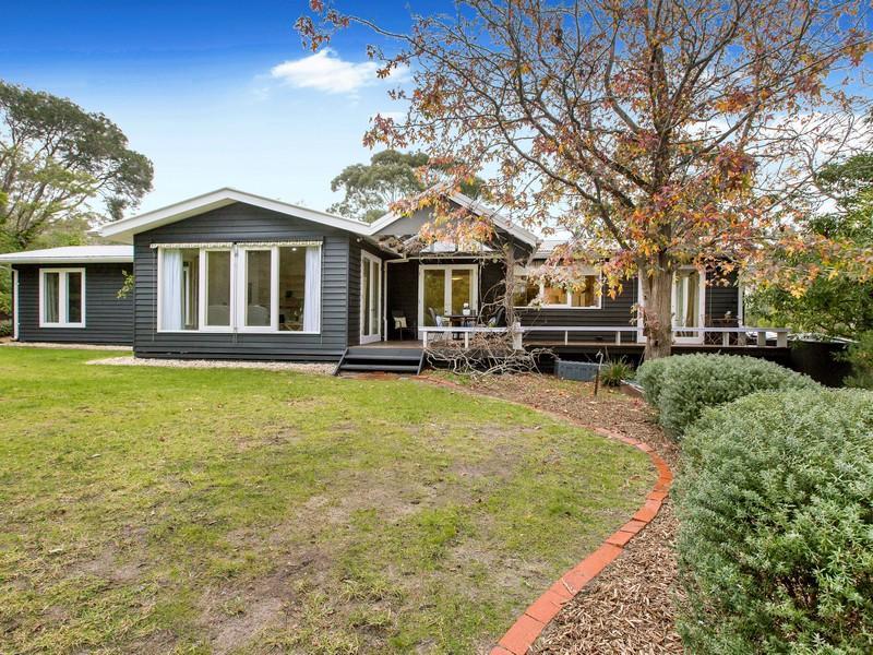 10 Mann Road, Mount Eliza, Vic 3930