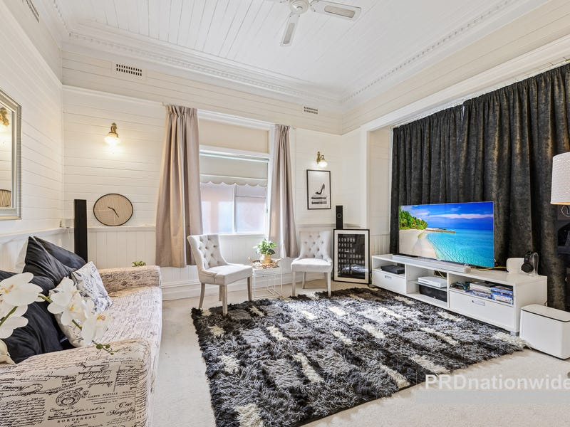 136 Stoney Creek Road, Beverly Hills, NSW 2209