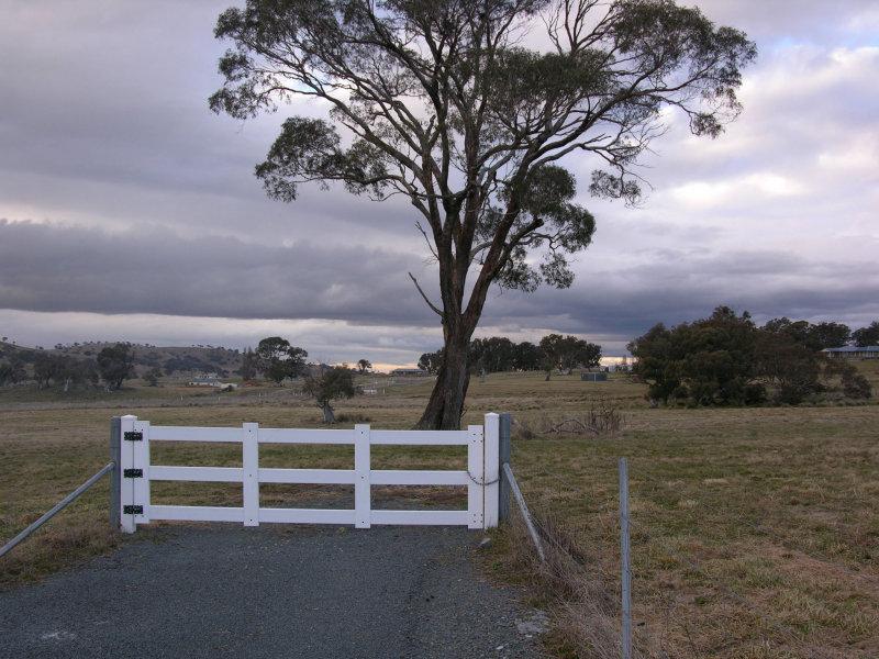 11 Buckley Place, Royalla, NSW 2620