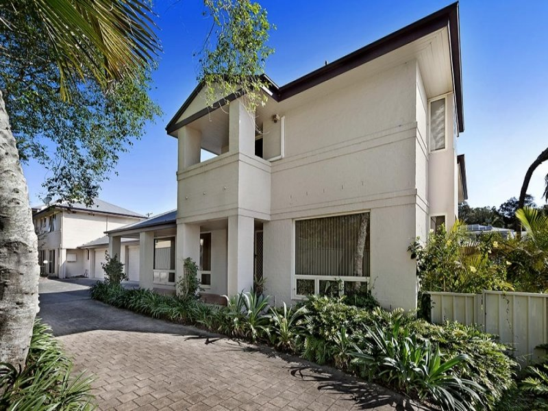 2/11 Tramway Rd, North Avoca, NSW 2260