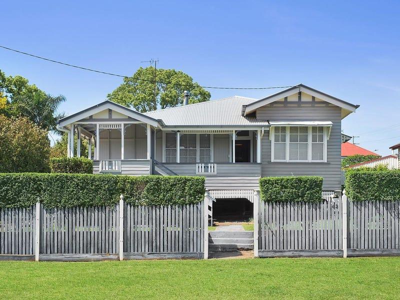42 Cumming Street, North Toowoomba, Qld 4350