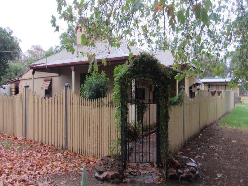 2 Bent Street, Gerogery, NSW 2642