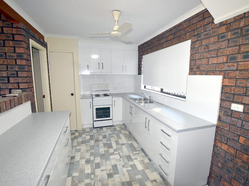 2/5 Luscombe Court, New Auckland, Qld 4680