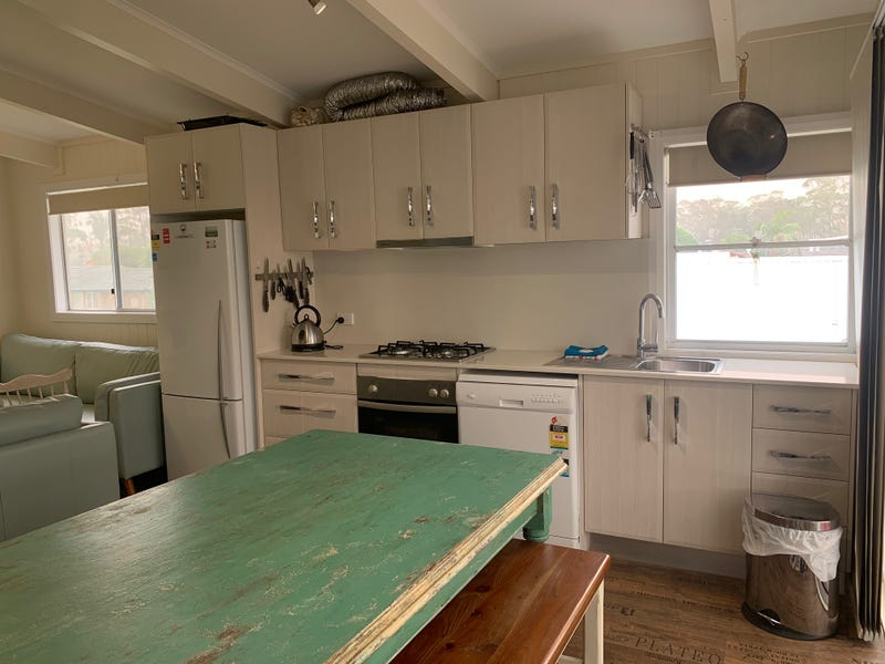 32 Parkinson Street, Narrawallee, NSW 2539