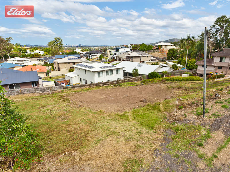 1135 South Pine Road, Everton Hills, Qld 4053
