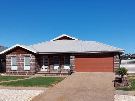 20 Old Hospital Road, West Wyalong, NSW 2671