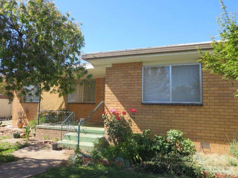 17 Wenke Street, Walla Walla, NSW 2659
