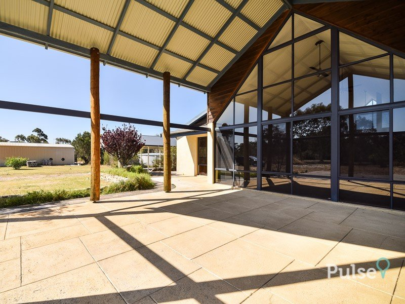 21 Barratt Place, Oakford, WA 6121