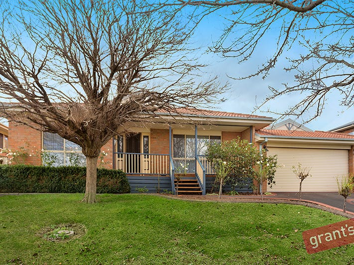 32 John Fisher Drive, Berwick, Vic 3806