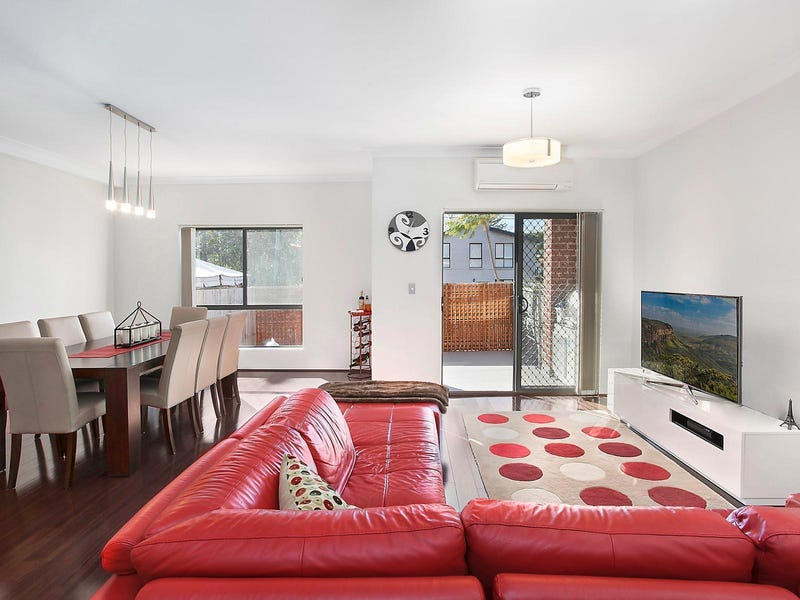 2/1 Anzac Avenue, Denistone, NSW 2114