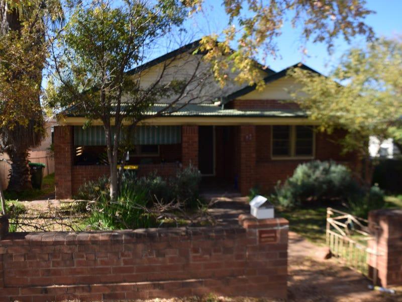 11 Coleman Road, Parkes, NSW 2870