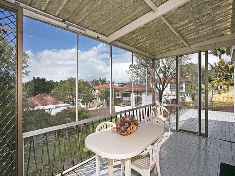 5 Carboona Avenue, Earlwood, NSW 2206