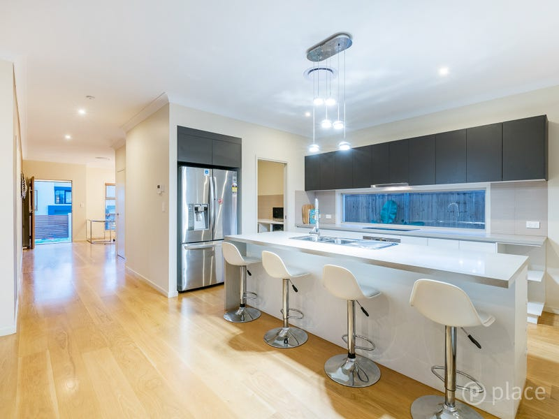 76 Linacre Crescent, Carindale, Qld 4152