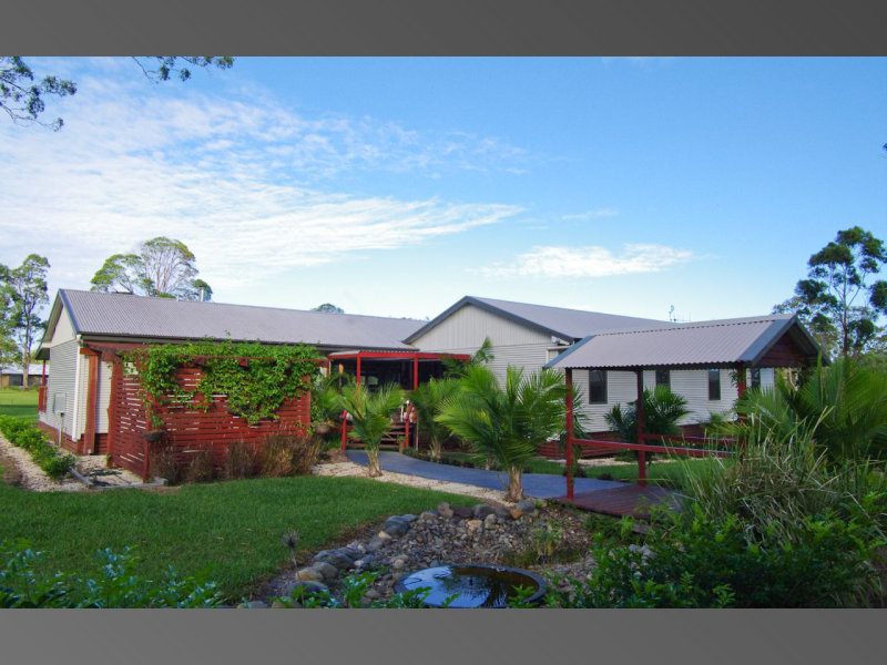 11 Penn Place, Crescent Head, NSW 2440