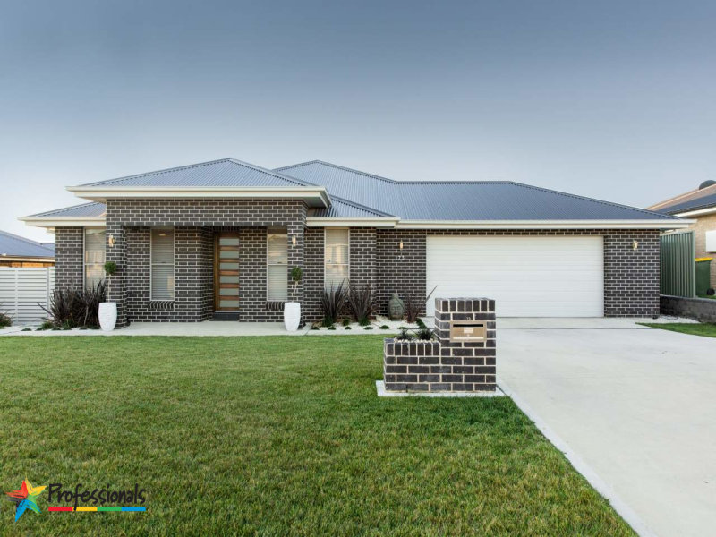73 Swanbrooke Street, Bathurst, NSW 2795
