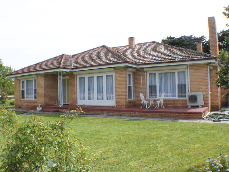 102 Andrews Road,, Knebsworth, Vic 3286