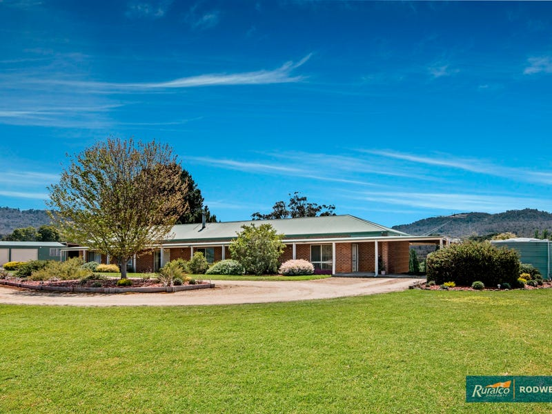 80 Whalans Track, Lancefield, Vic 3435