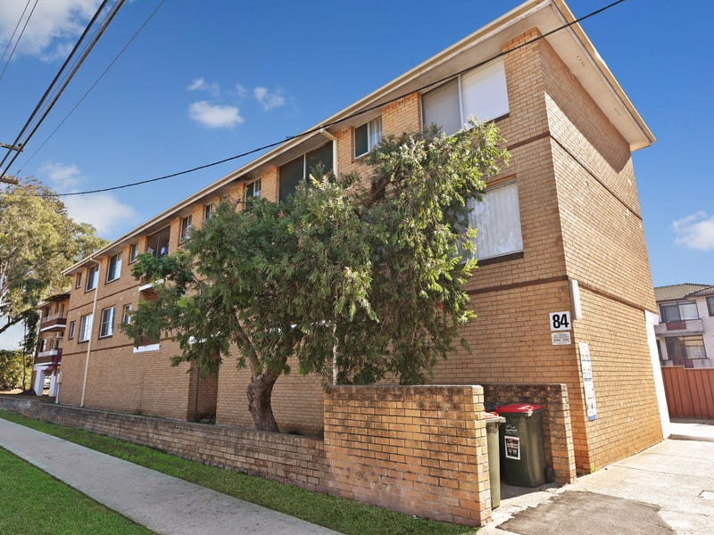 8/84 Sackville Street, Fairfield, NSW 2165
