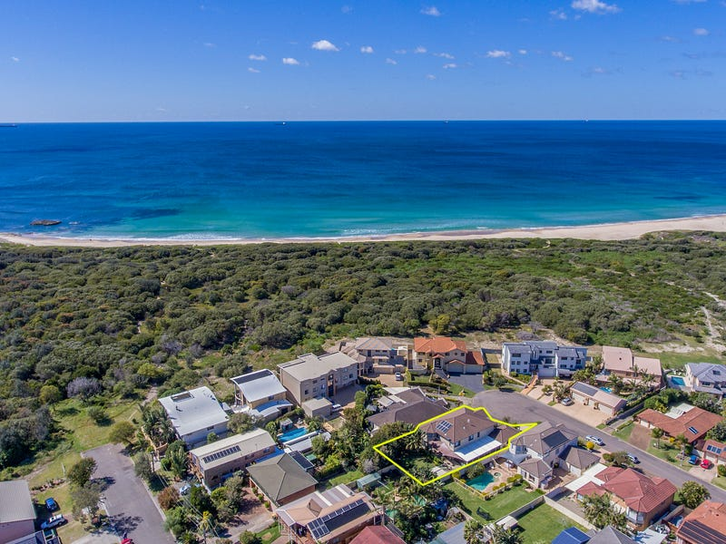 17 Driftwood Close, Caves Beach, NSW 2281