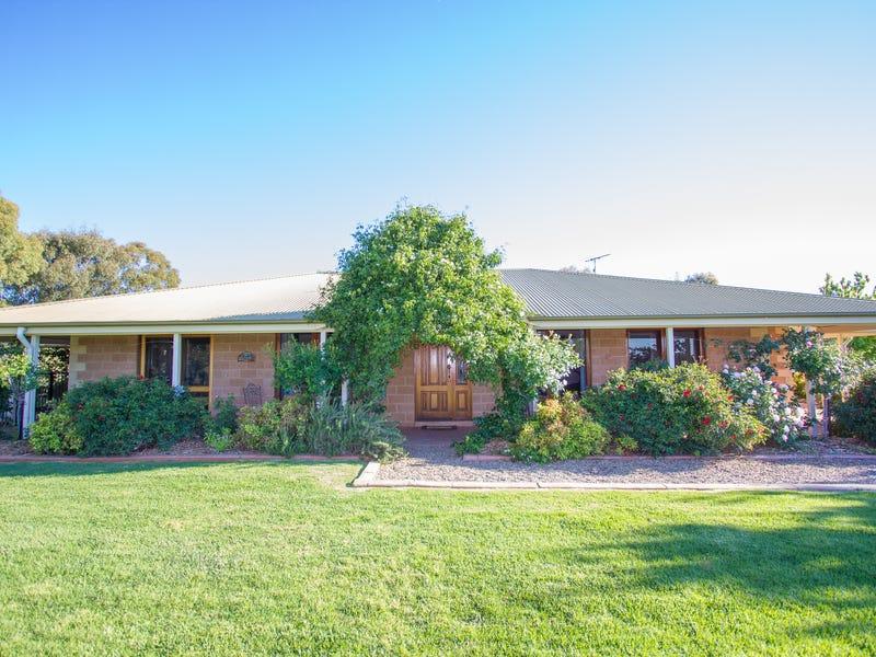 68 Berkleys Road, Young, NSW 2594