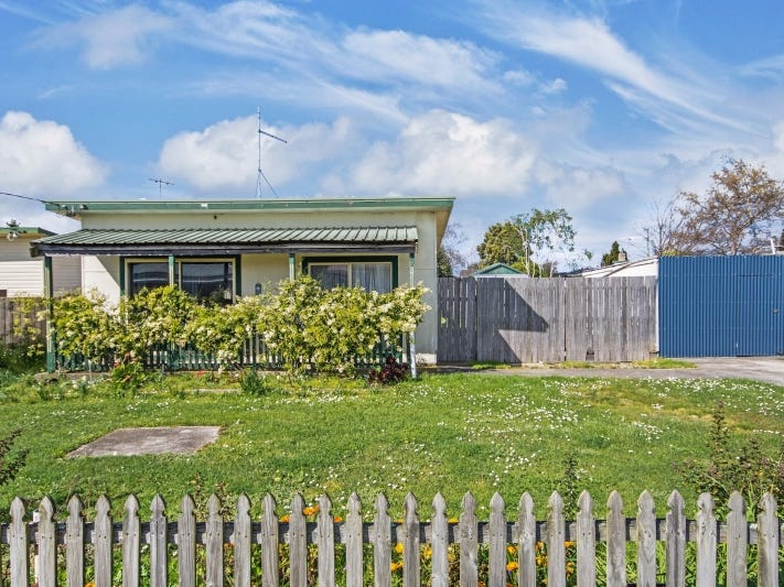 2 Lenborough Street, Beauty Point, Tas 7270