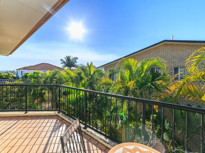 15/27 'Chester Terraces', Chester Terrace, Southport, Qld 4215