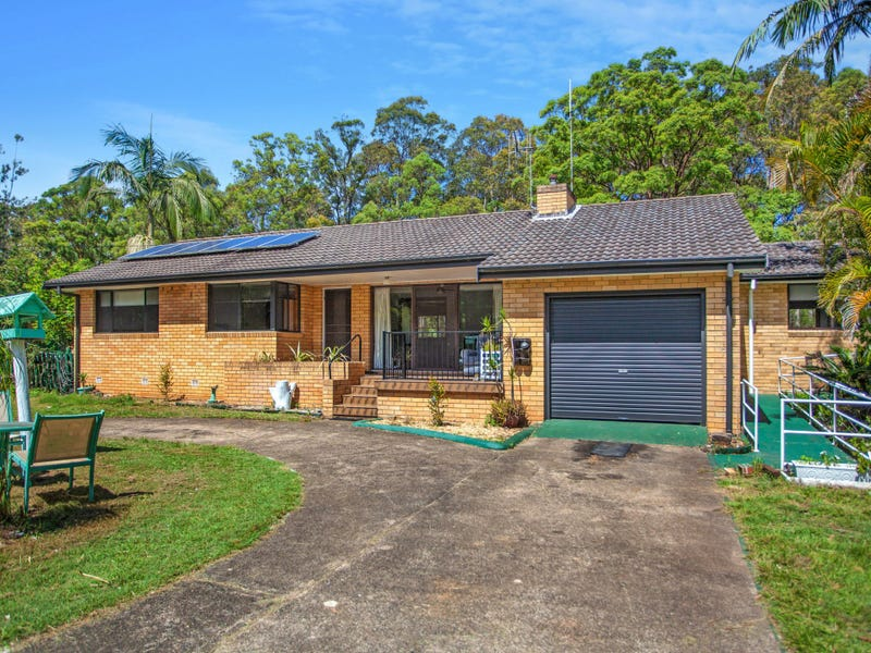 882 Old Bar Road, Old Bar, NSW 2430