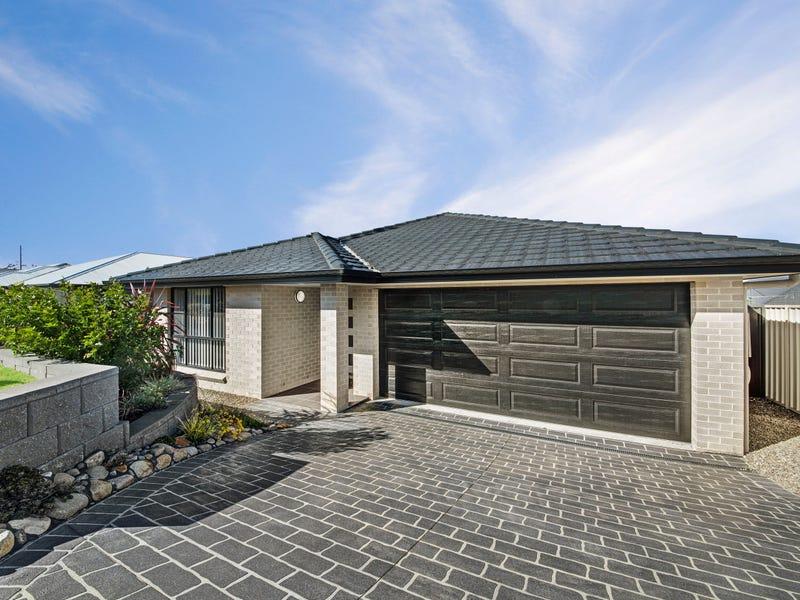 180 Roper Road, Blue Haven, NSW 2262