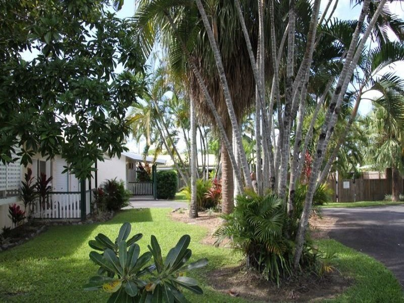 1/3-4 Holden Close, Whitfield, Qld 4870