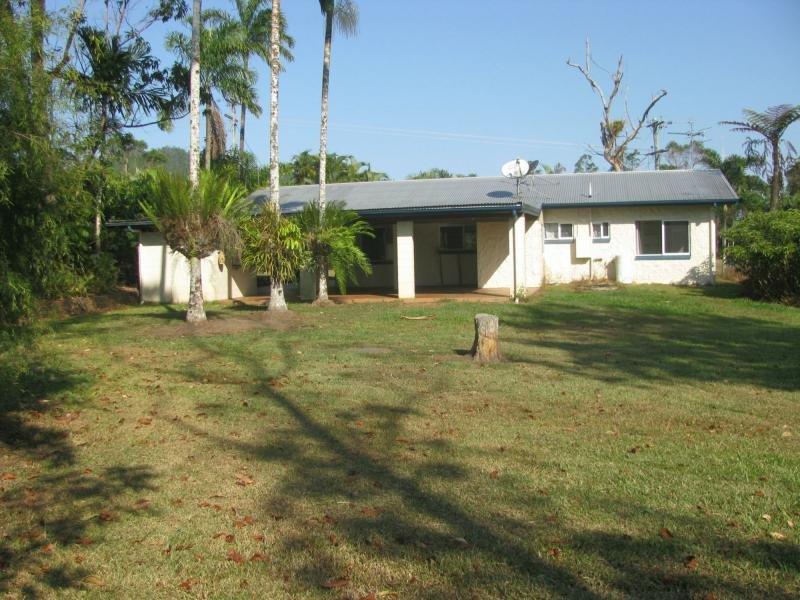 822 East Feluga Road, East Feluga, Qld 4854