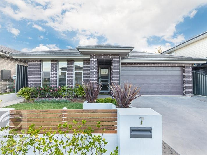7 Binyang Avenue, Glenmore Park, NSW 2745