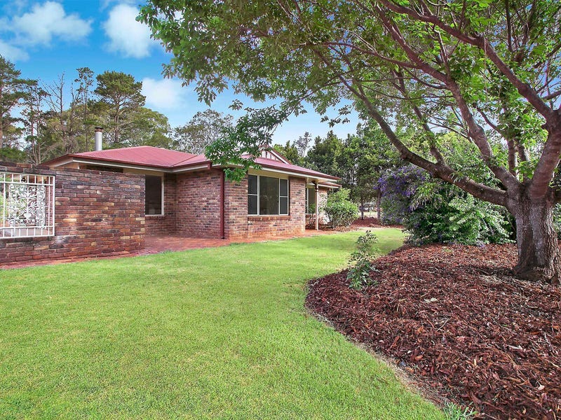 8 Whispering Pines Drive, Highfields, Qld 4352