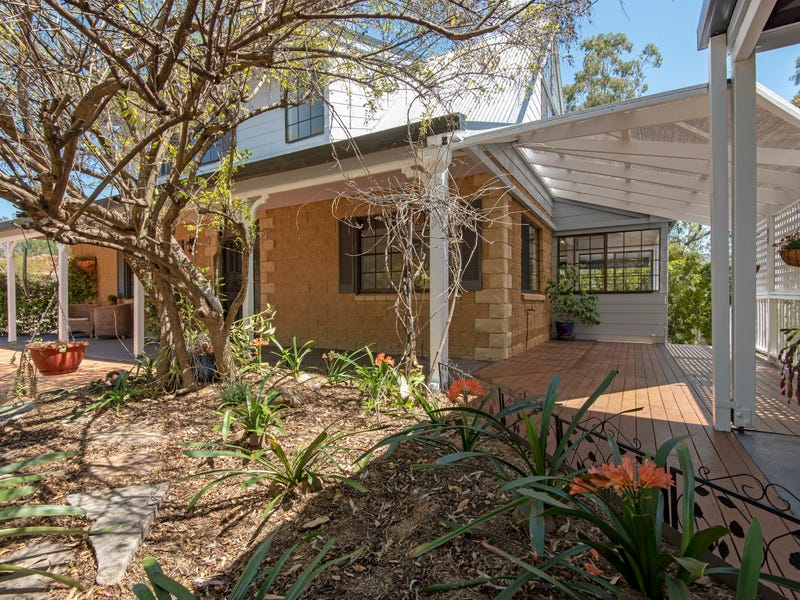 12 Clive Crescent, Withcott, Qld 4352