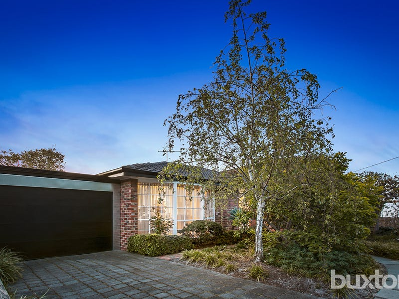 14 Balcombe Place, Dingley Village, Vic 3172