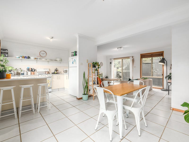 2/64 Throsby Street, Tighes Hill, NSW 2297