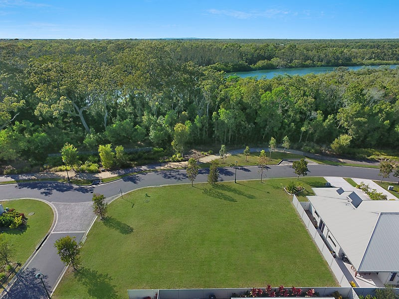 1 Leonie Court, Pelican Waters, Qld 4551