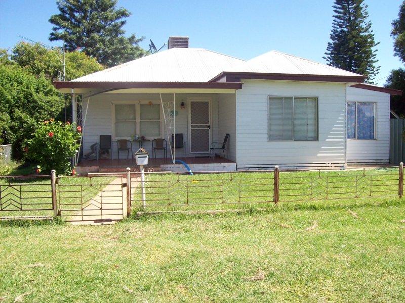 21 WINGADEE STREET, Coonamble, NSW 2829