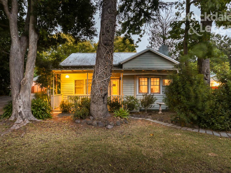 11 William Street, Upper Ferntree Gully, Vic 3156