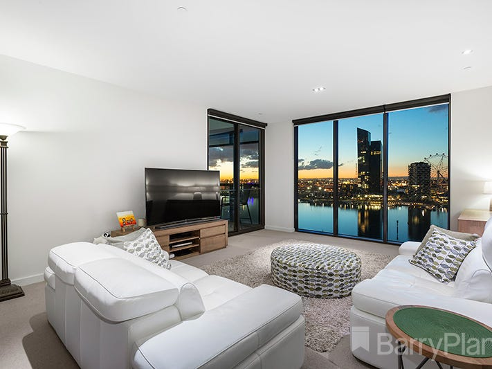 123/8 Waterside Place, Docklands