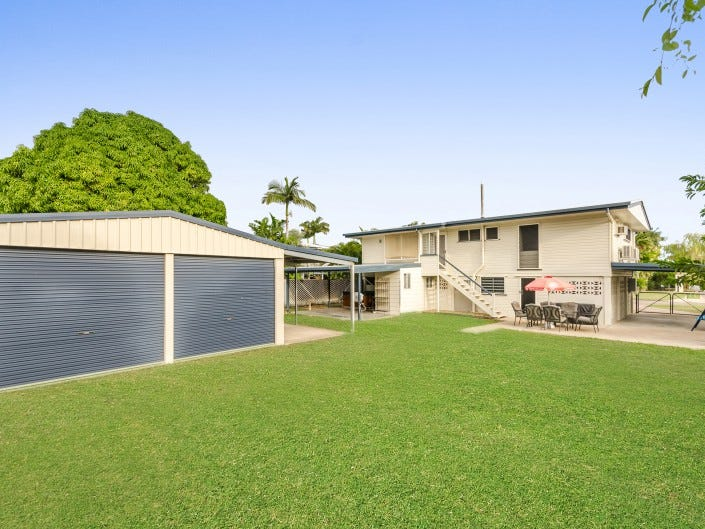 17 Crocker Street, Heatley, Qld 4814