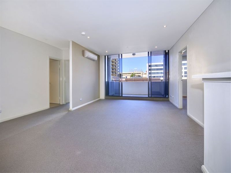 811/90 George Street, Hornsby, NSW 2077