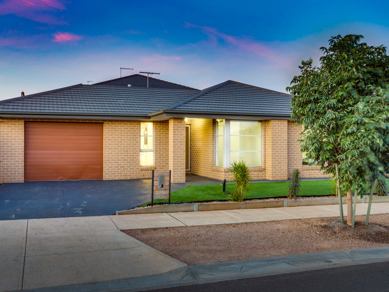 2 Moore Drive, Fraser Rise, Vic 3336