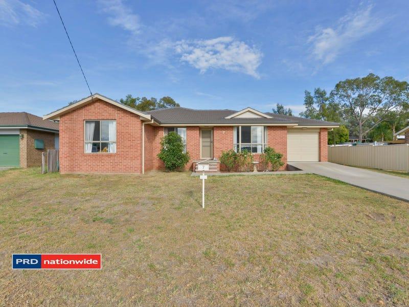 7 Carole Drive, Kootingal, NSW 2352