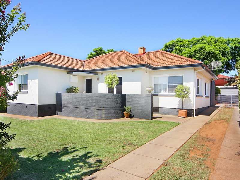 77 Phillip Street, West Tamworth, NSW 2340