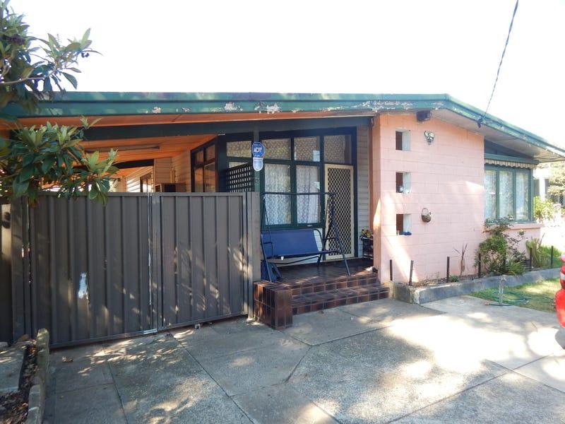 5 Melanesia Avenue, Lethbridge Park, NSW 2770