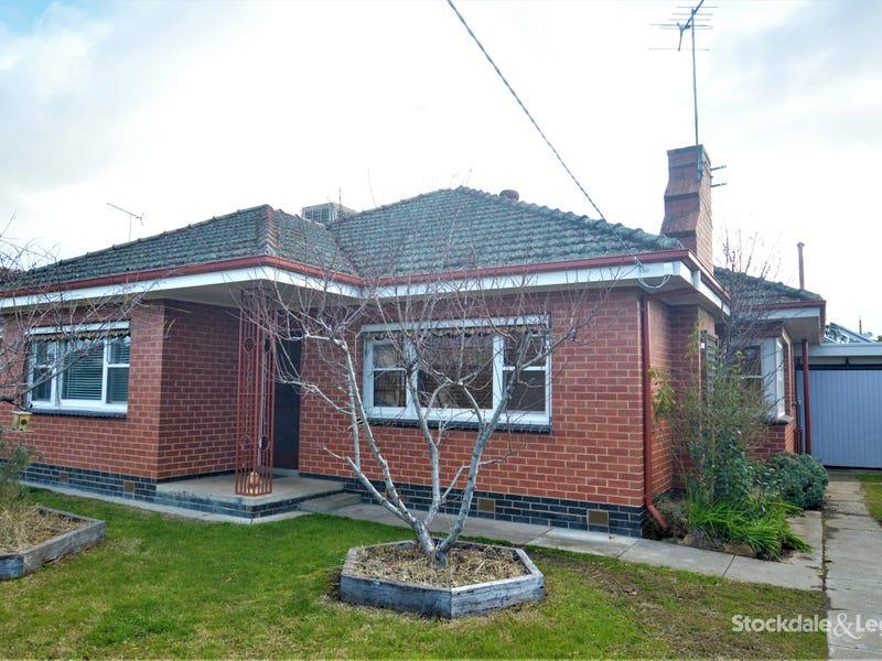 4 CHOMLEY AVENUE, Wangaratta