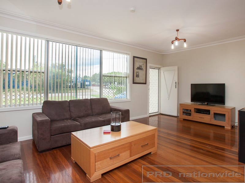 6 Woodberry Road, Tarro, NSW 2322