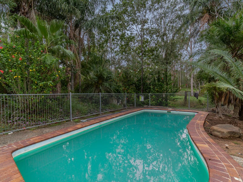 206 Clifton Drive, North Maclean, Qld 4280